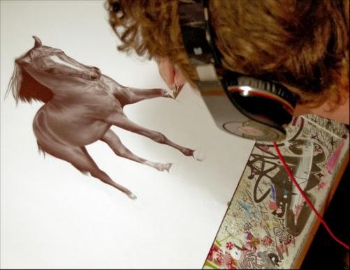 01-James-Mylne-Biro-Ballpoint-Pen-Drawings-www-designstack-co