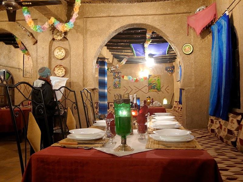 砂漠ホテルのディナー