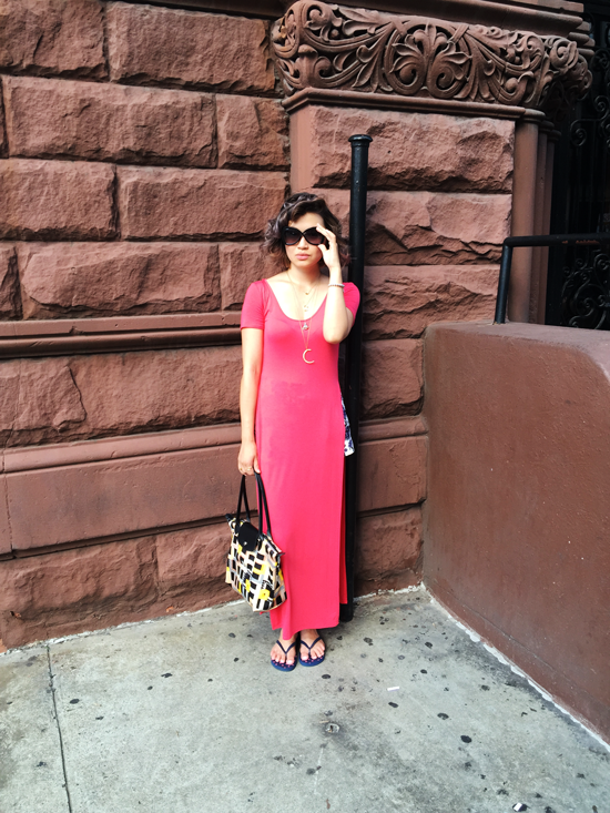 Vancouver fashion blogger, pink tshirt dress, longchamp tote, sarah mulder jewelry