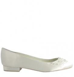 Zapato plano de novia de Menbur