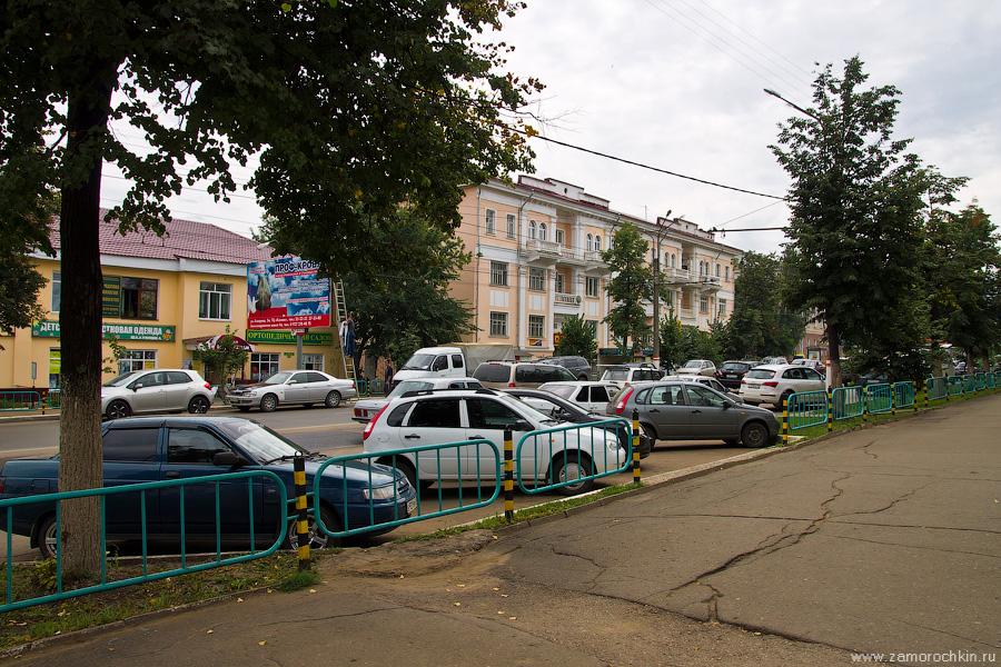 Саранск, проспект Ленина, 18, новый парковочный карман