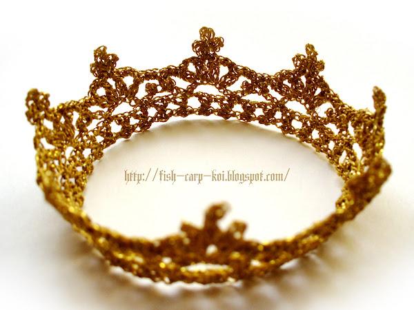 Корона для девочки, связанная крючком