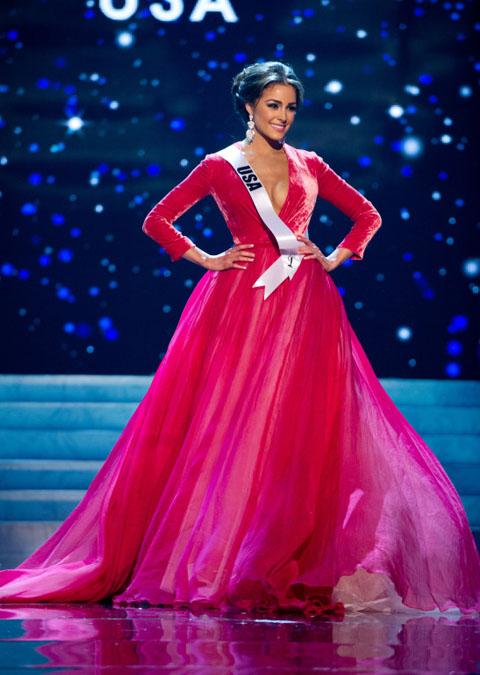 صور اوليفيا كالبو ملكة جمال الكون