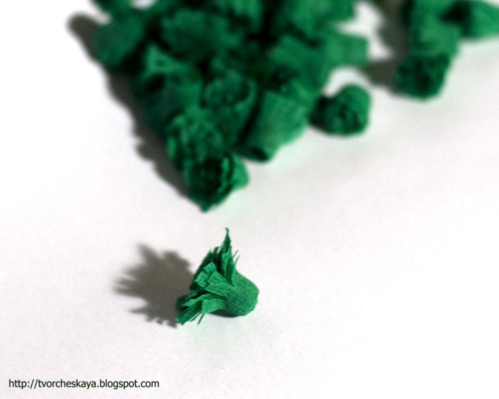 Как сделать новогоднюю ёлку из гофрированной бумаги