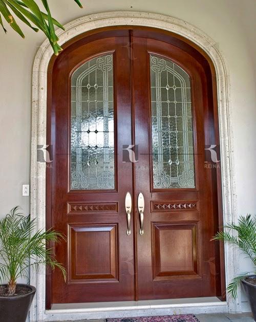 Puerta entrada principal puertas de aluminio de casas con for Puertas de madera para entrada principal de casa modernas
