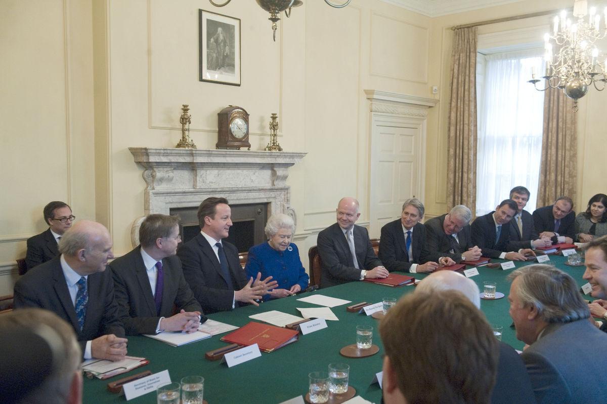 Kmhouseindia Queen Elizabeth Ii Attends Cabinet Meeting