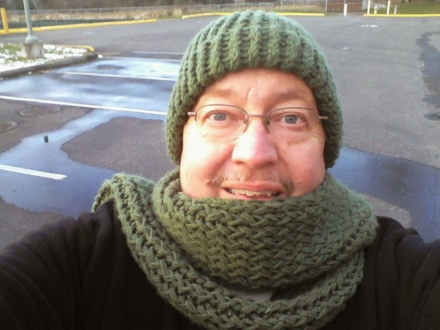 Clever Crafty Cookin Mama Warm Adult Hat On A Round Loom
