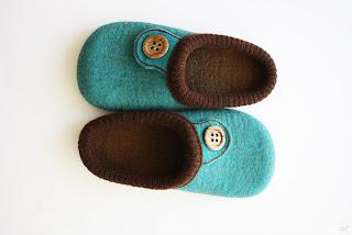 handmade slippers, felt slippers, etsy, etsy blog, onstail