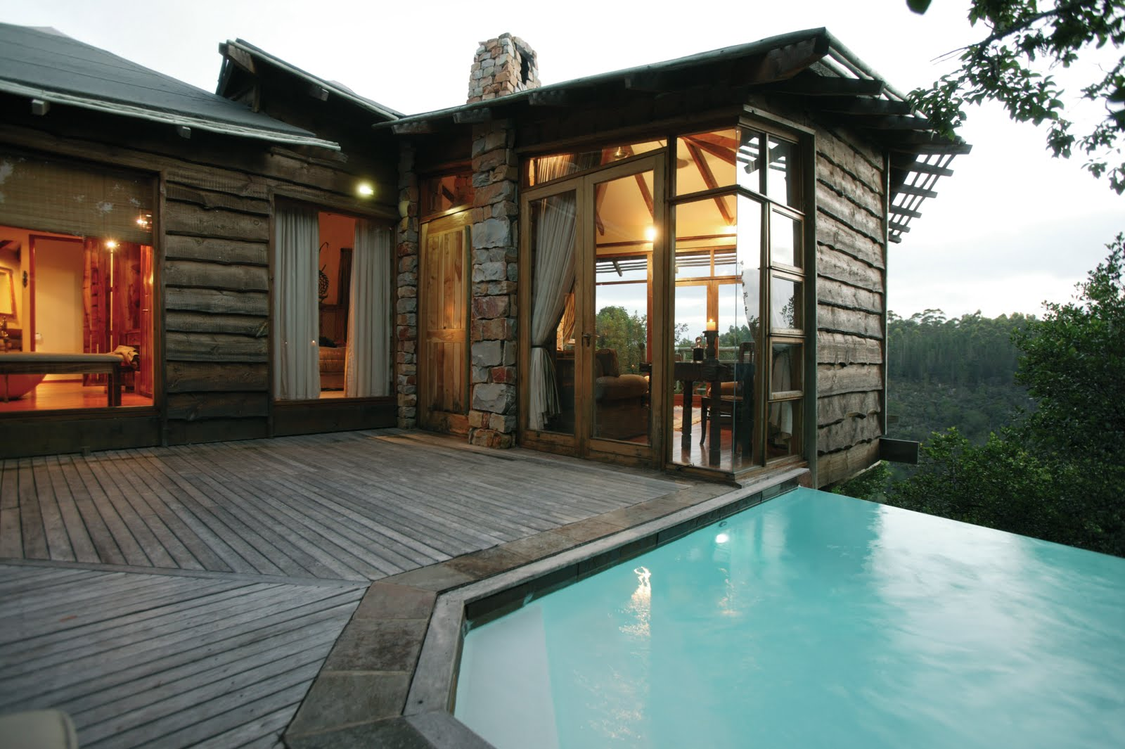 Tsala treetop lodge plettenberg bay south africa cool for Cool accommodation