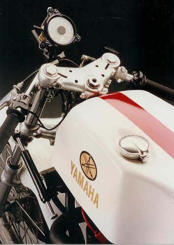 Machines de courses ( Race bikes ) - Page 8 Yamaha%2BKR%2B500%2BVicente%2BDesign%2B03