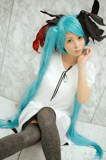 Pokemaru cosplay as Vocaloid Hatsune Miku World is Mine