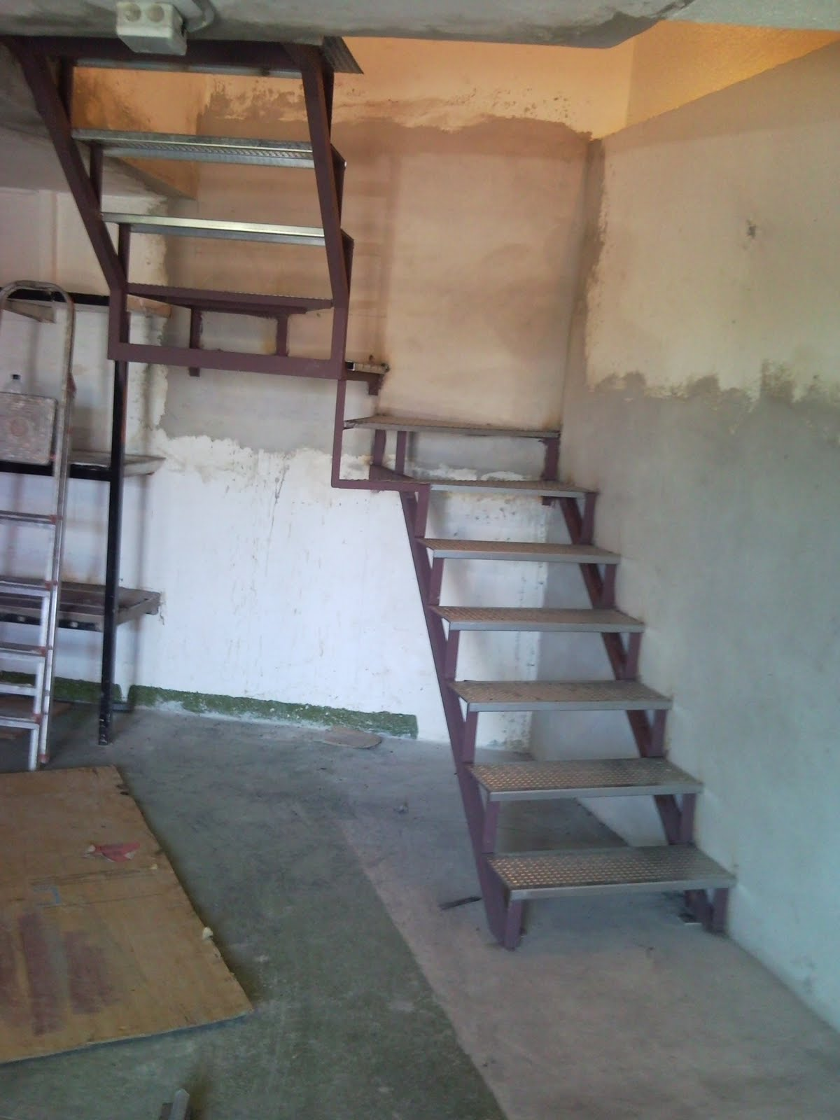 Cerrajeria juan leon - Escaleras para sotanos ...