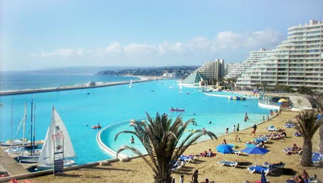 Crystal lagoon the world 39 s largest swimming pool readitt the e magazine for Largest swimming pool in the world in chile