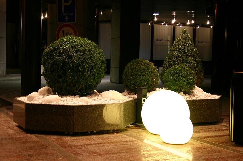 Muebles y decoraci n de interiores lamparas para jardin - Lampara de jardin ...