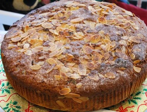 torta di mandorle e crema agli amaretti