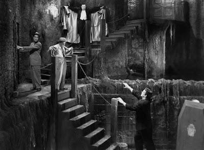 Abbott y Costello amenazados por Lugosi y Strange
