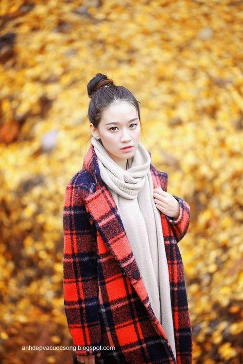 Thiếu nữ dao phố mùa thu 3
