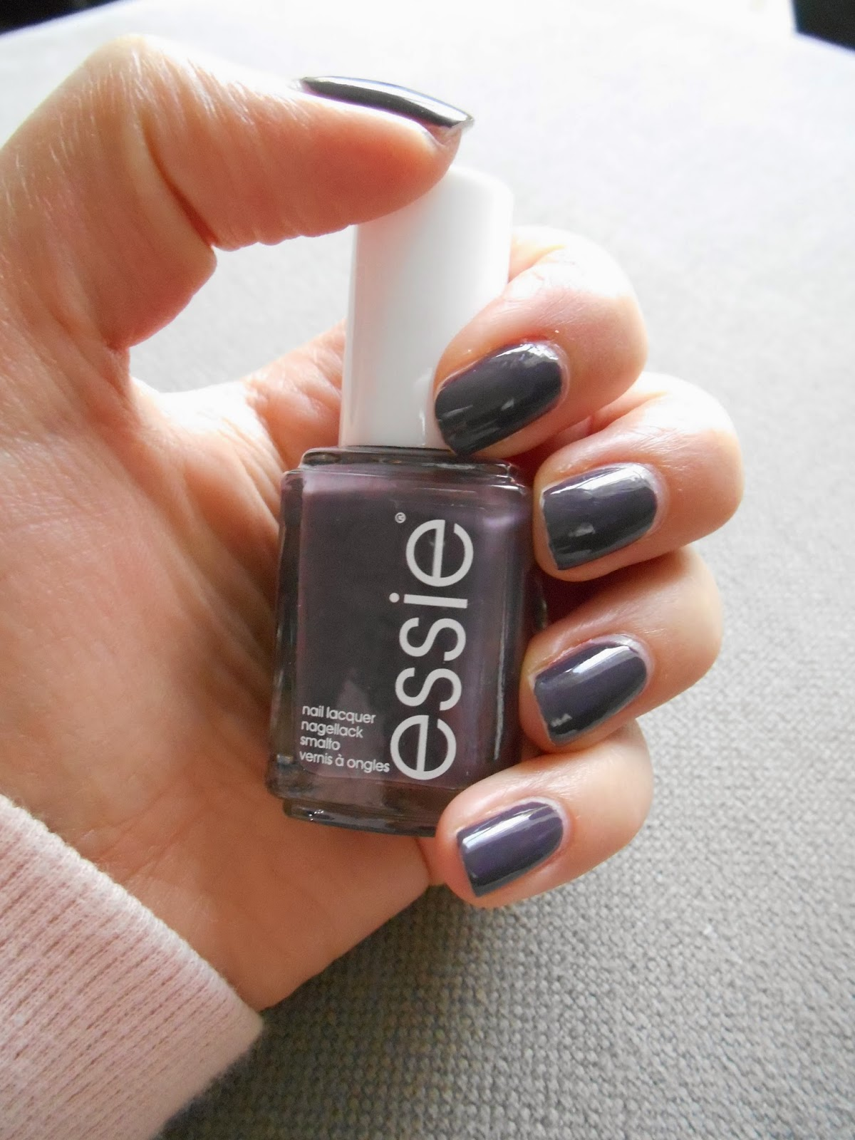 Essie - \'Smokin Hot\' Swatch & Review