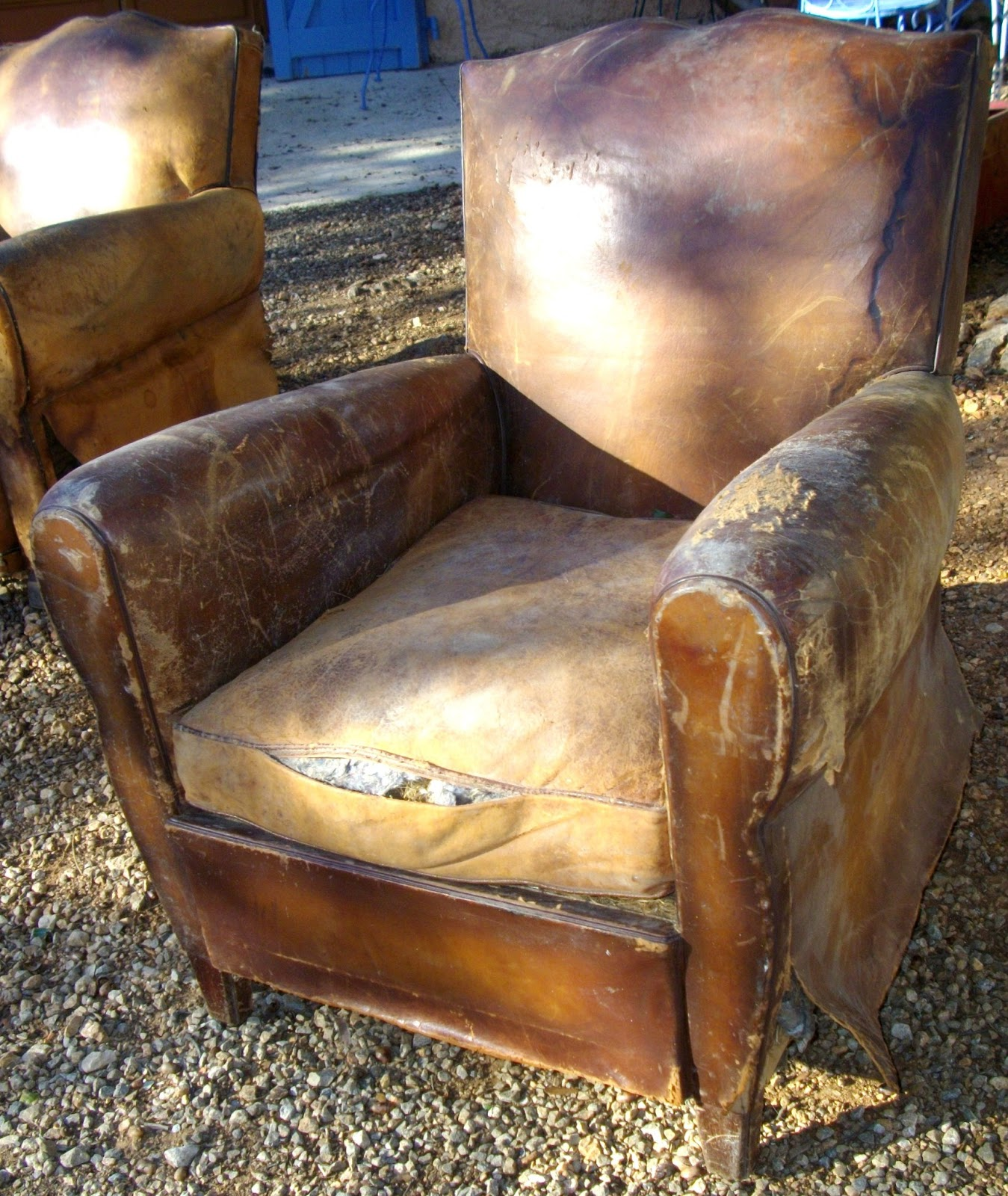 ancien fauteuil club 2 moustache chapeau de gendarme i. Black Bedroom Furniture Sets. Home Design Ideas