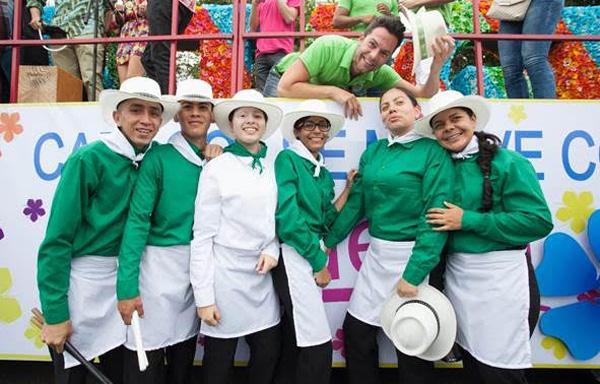 talento-Caracol-contagió-alegría-paisas-turistas-desfile-silleteros