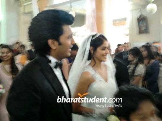 Riteish Deshmukh & Genelia D'Souza's Church Wedding ...