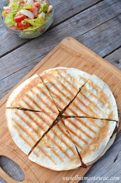 Quasadillas z pieczarkami, boczkiem i serem