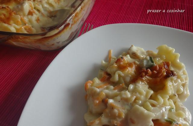prazer a cozinhar - massa gratinada com maruca e vegetais