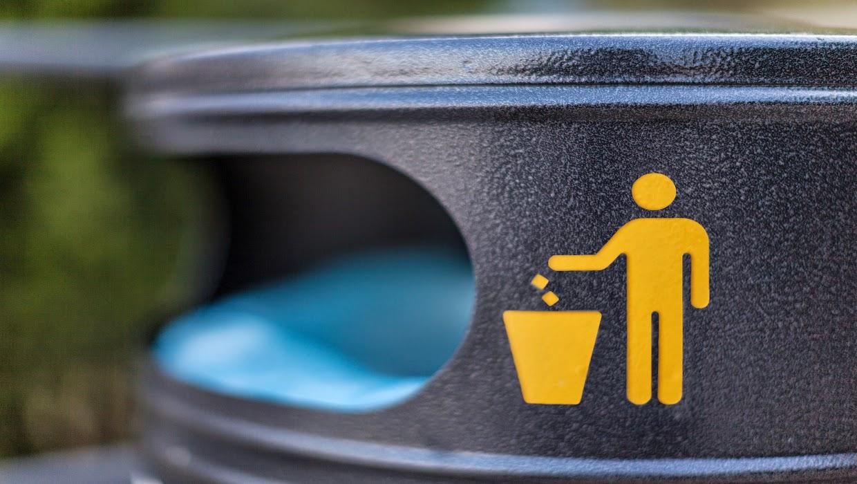 Jogar lixo na rua não é cool!