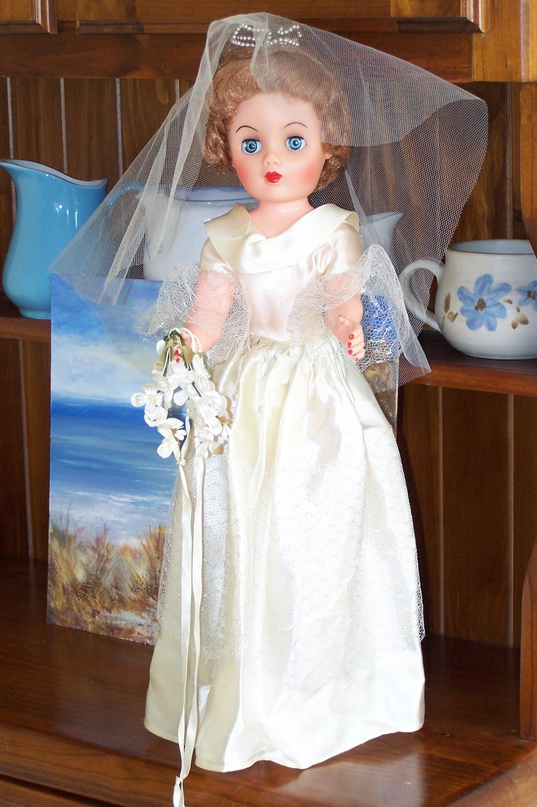 Lizzie S Arty Crafty N Dolls Dolls A New Dress Amp Hat