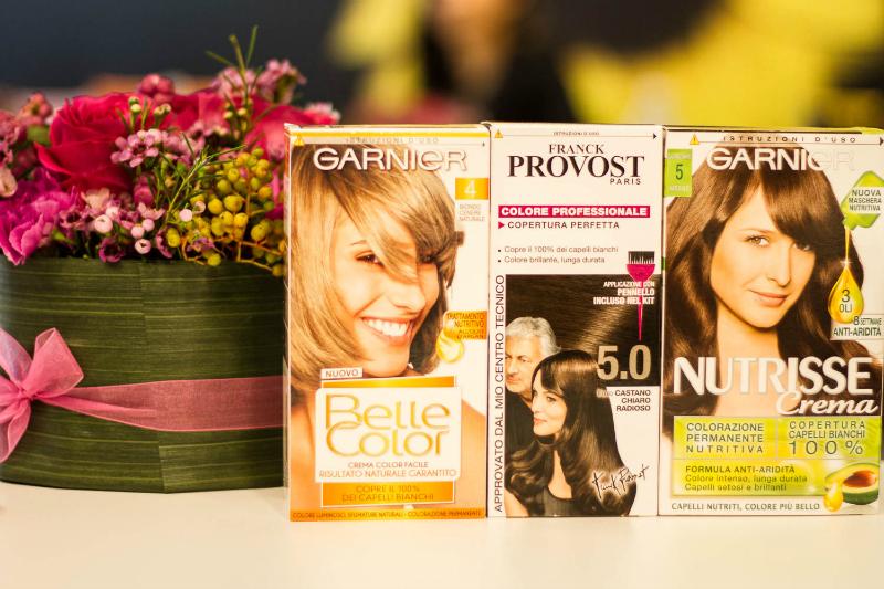 La colorazione da fare a casa con Garnier: suggerimenti, consigli e applicazione