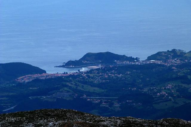 Ribadesella desde el Pico Pienzu