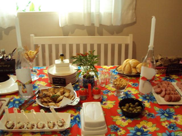 Brincando na cozinha Festa de Aniversário do Marido Boteco do