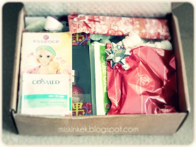 kozmetik-dolu-hediye-cekilisini-kazanan