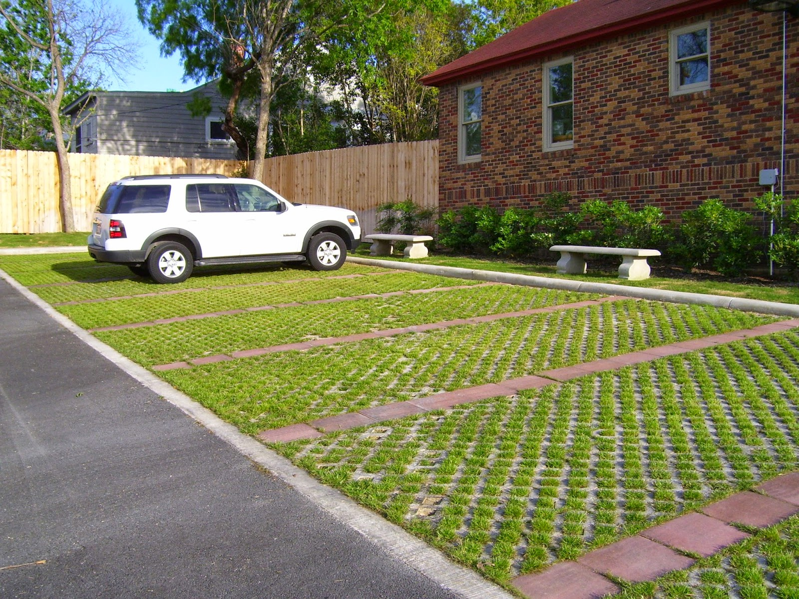 Custom stoneworks design inc permeable pavers green for Green pavers