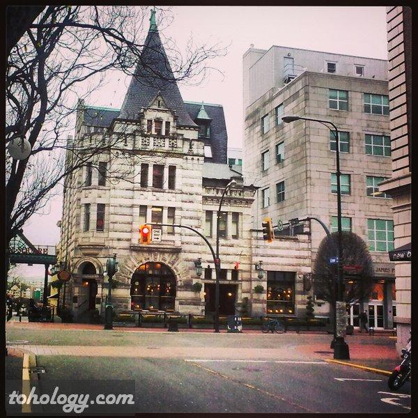Government Street in Victoria, British Columbia, Canada