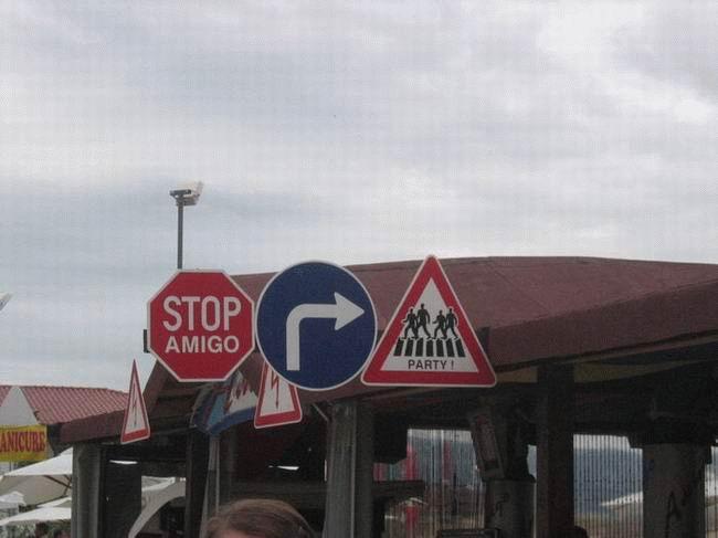najsmesniji saobraćajni znakovinajsmesniji znakovi: stani ...