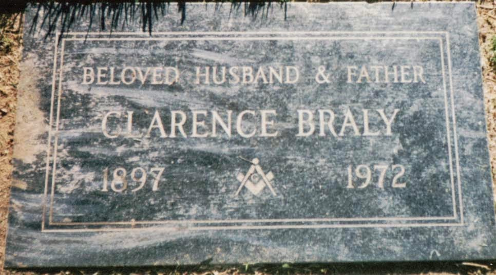 Clarence And Ilola Moved To Yucaipa Lived In A Mobile Home There Died Is Buried Inglewood Park Cemetery California