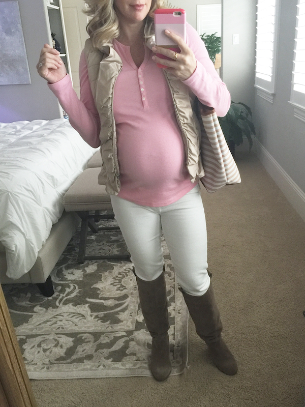 Fall outfit inspiration, pink, tan, and white #pregnancystyle #dressingthebump