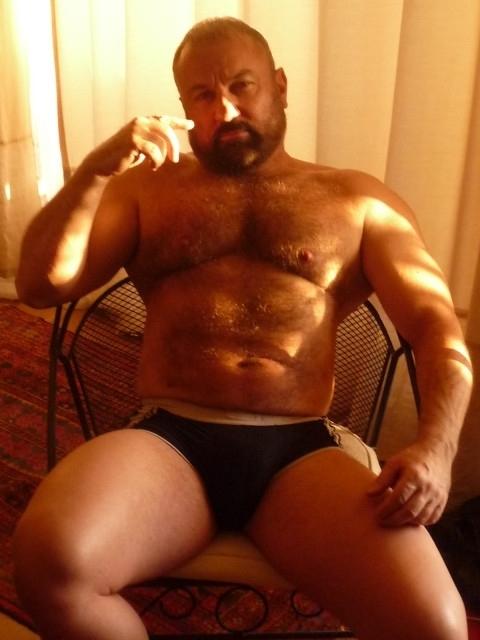 Very mature bear hideaway