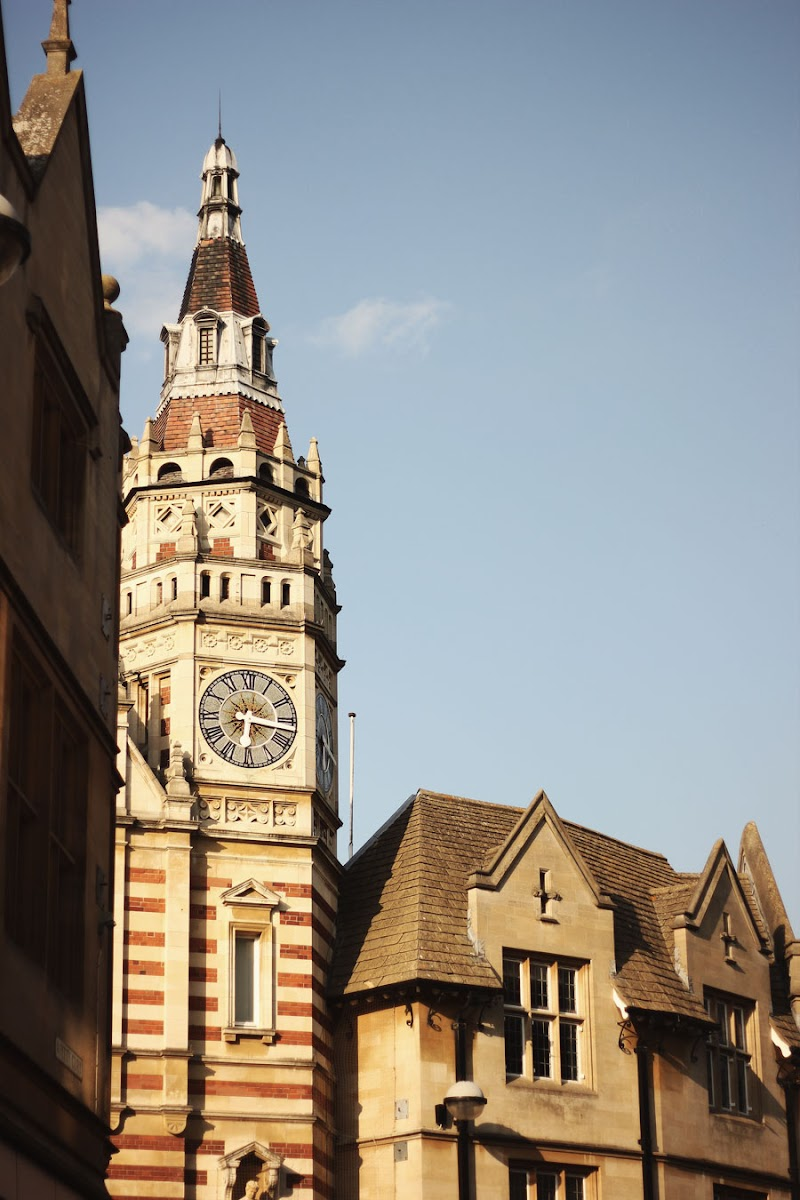 cambridge architecture clock tower