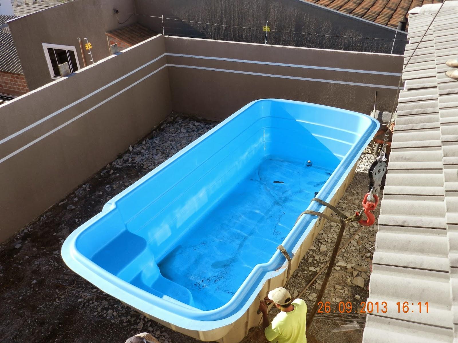 Casa da gloria demoli o da fachada chegada da piscina for Piscina java