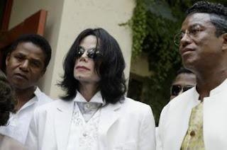 Allahu Akbar!! Ternyata Michael Jackson Telah Masuk Islam Tahun 2007