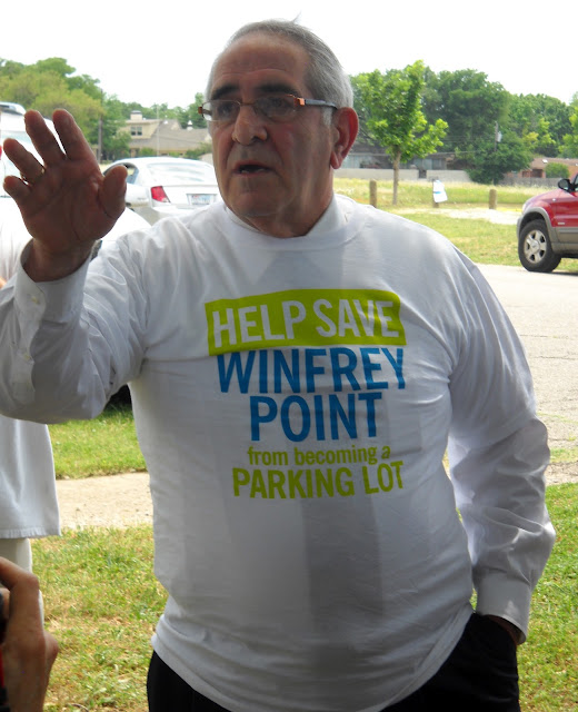 Councilman Sheffie Kadane showing some solidarity with the Save Winfrey Point supporters