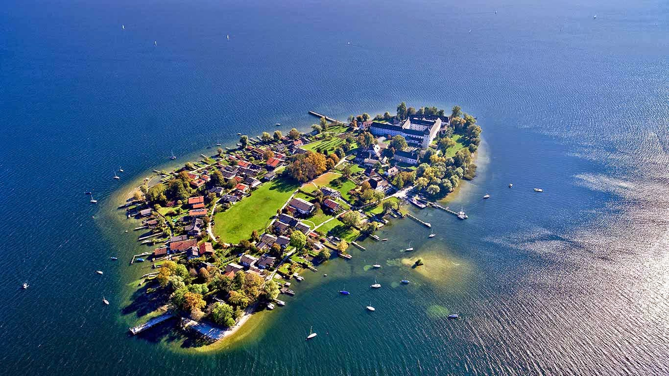 Aerial view of Frauenchiemsee island in Chiemsee, Germany (© Florian Werner/Look/age fotostock) 210