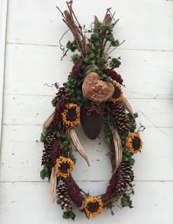 sunflowers, pinecones, shoe, Colonial Williamsburg, Colonial Virginia, Christmas