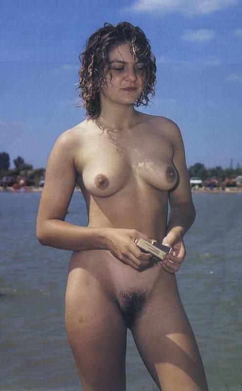 голые девушки на фото ретро