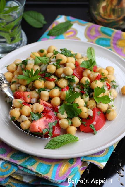 Sałatka nohut salatasi