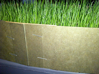 Cutting guide for trimming my indoor grass container