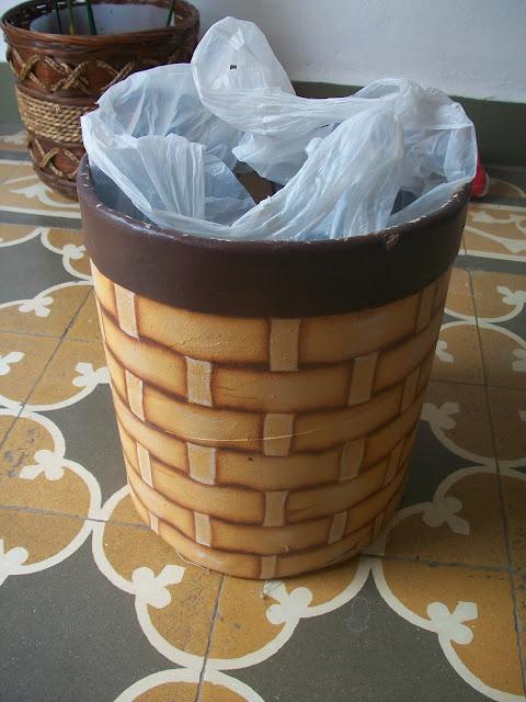 un tarro de dulce de leche se convierte en tacho de basura