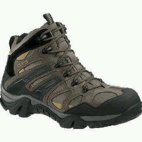 Sepatu tracking wolverine